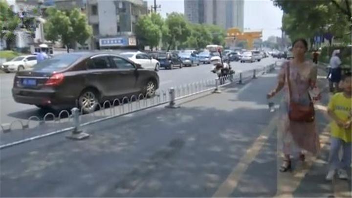 开福交警多举措缓解湘雅医院周边交通压力