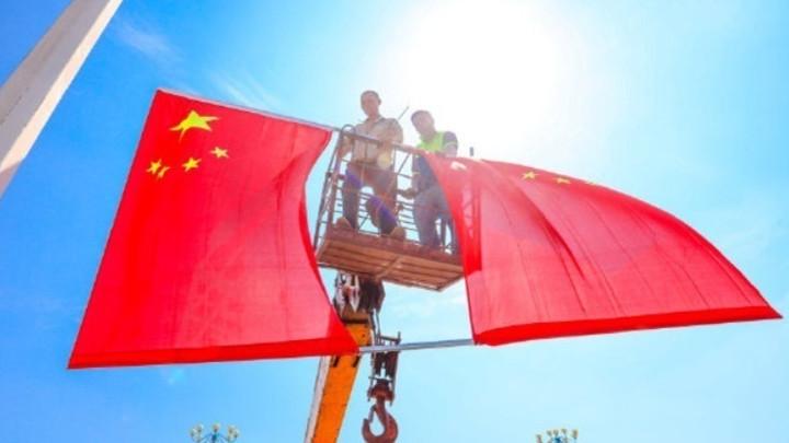 """全国多地国旗飘飘迎国庆!有种表白,叫""""我爱你中国"""""""