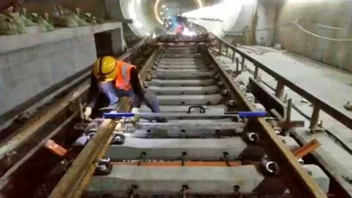 地铁5号线力争年底通车试运行