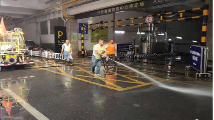 芙蓉北路街道:百人大清扫,干干净净迎国庆