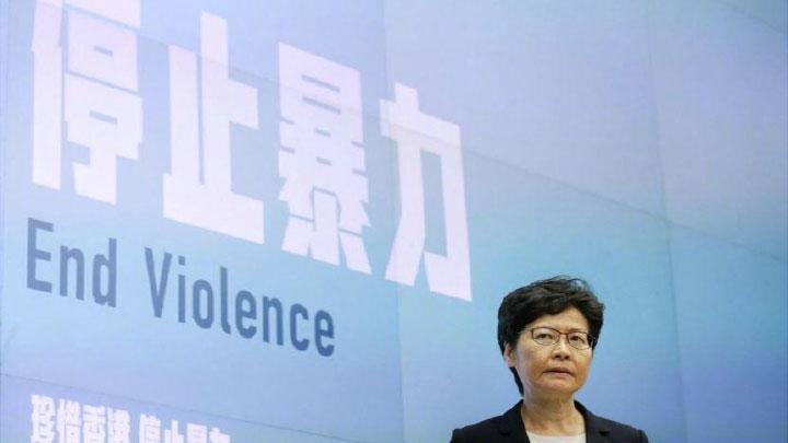 """林郑月娥发表电视讲话谴责暴力,形容香港昨晚""""度过黑暗的一夜"""""""