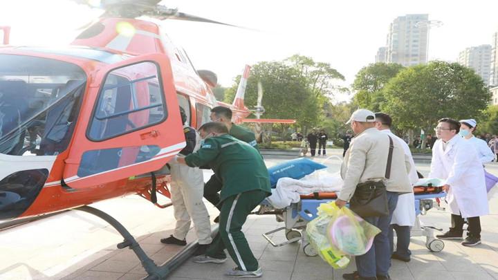 澧水流域首开航空救援纪录,9岁男童受伤后打飞的来长救命