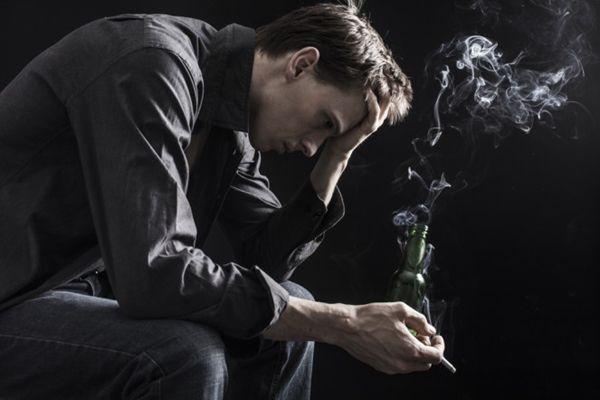吸烟增加抑郁和精神分裂症风险