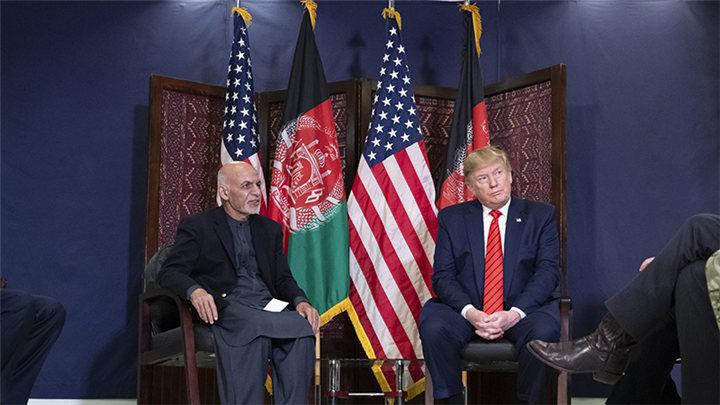 """特朗普感恩节突访阿富汗,与塔利班和谈起""""死""""回生?"""