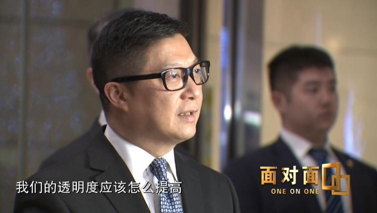 邓炳强:警用装备会更加健全,止暴制乱会刚柔并济