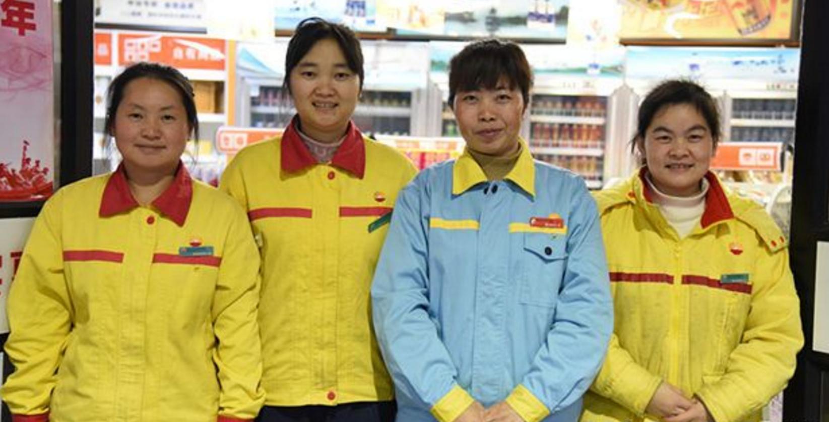 长沙一加油站内教练车突发自燃 5名女员工6分钟化险为夷