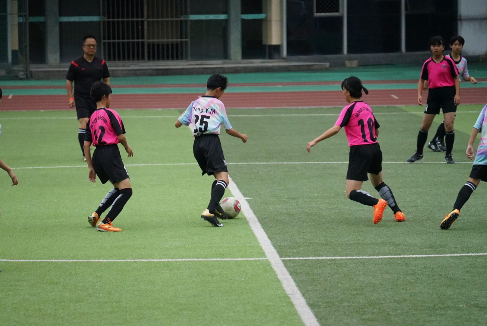 新华社调查校园足球:仍有一些地方锦标主义大行其道